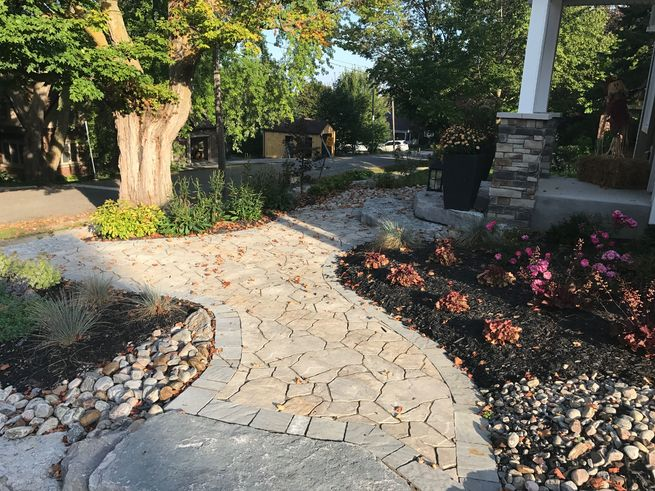 Interlock patio walkway which is curved.